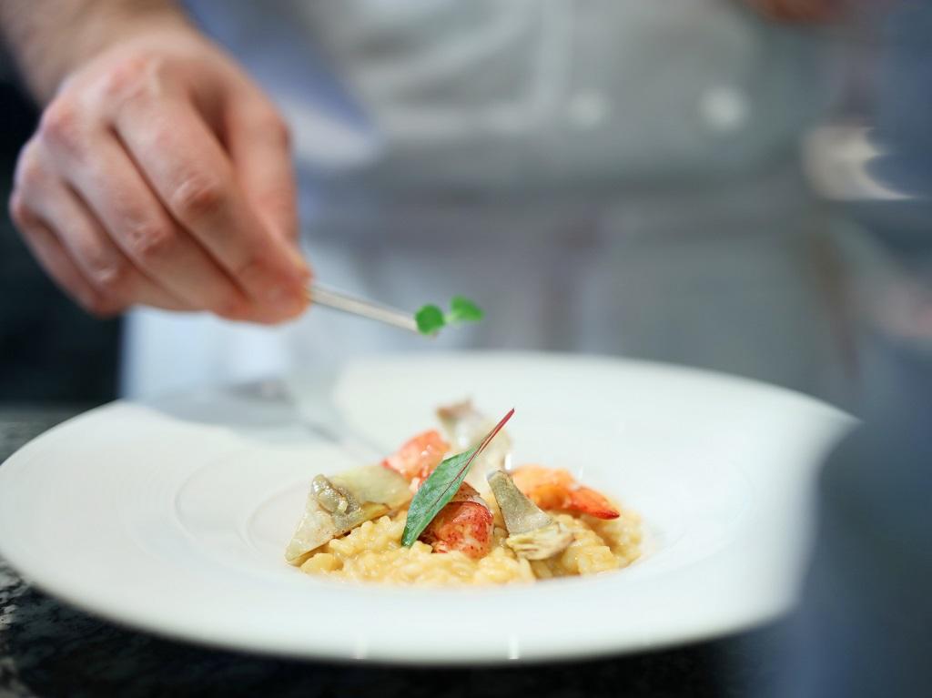 Risotto with Blu Lobster, Roman Artichoke and Mascarpone Cheese 龍蝦雅枝竹意大利飯 (港幣468)