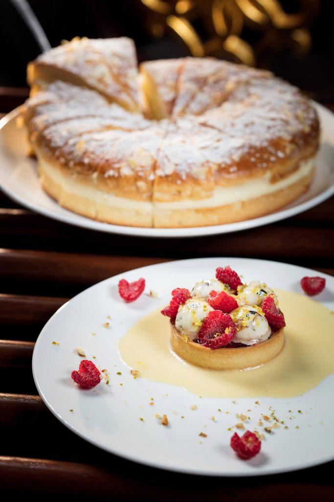 傳統的法式甜點「牛軋糖覆盆子撻」及「特羅佩麵包」為法國南部美食之旅劃上完美的句號