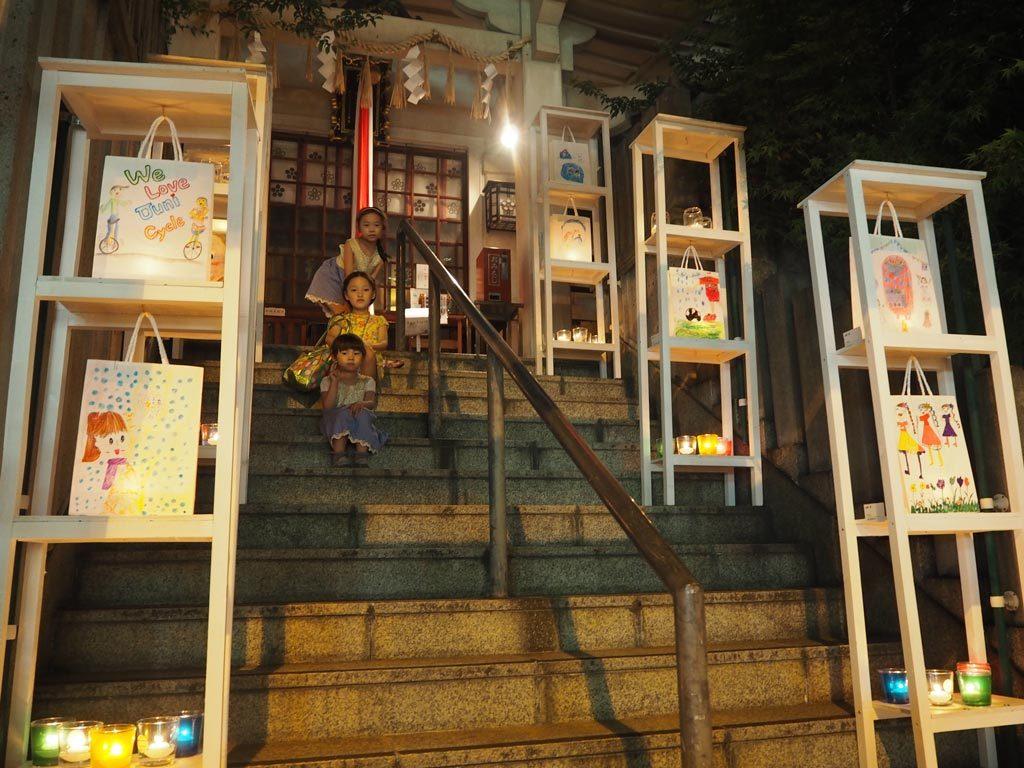 Candle NIght 活動舉行當晚8時至10時,梅田茶屋町附近的商戶更會配合是次活動關上照明,令到訪人士享受一個不一樣的梅田,也一眾作品的夢幻氣氛更加突出。