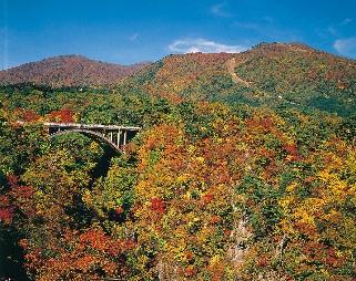 TravelBar-鳴子峽-日本東北紅葉